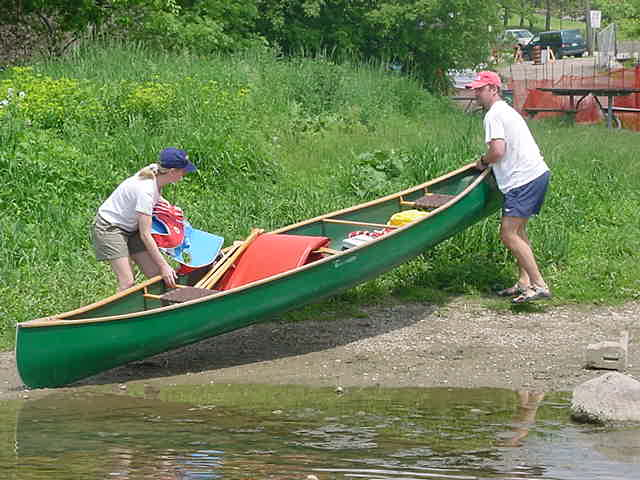 We drove to Kitchener and got the canoe in the water for a tour of four hours to Cambridge. Lauras sister would take the car back to Cambridge.