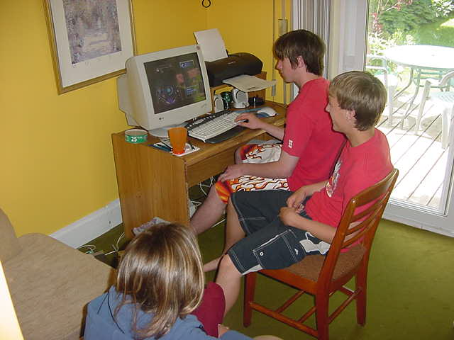 As Evan went back to work again, I joint the kids. The are in the middle of writing exams, so relax by playing computer games...