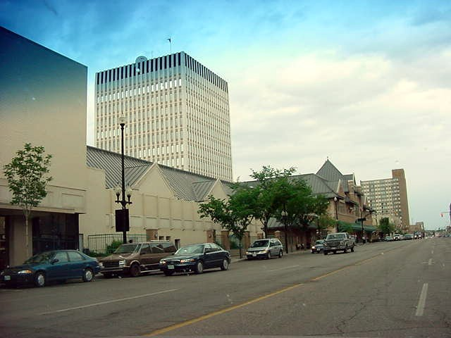 The same day, but after a good sleep, Dave took me for a tour around entire Saskatoon. This is the main drag of the town.