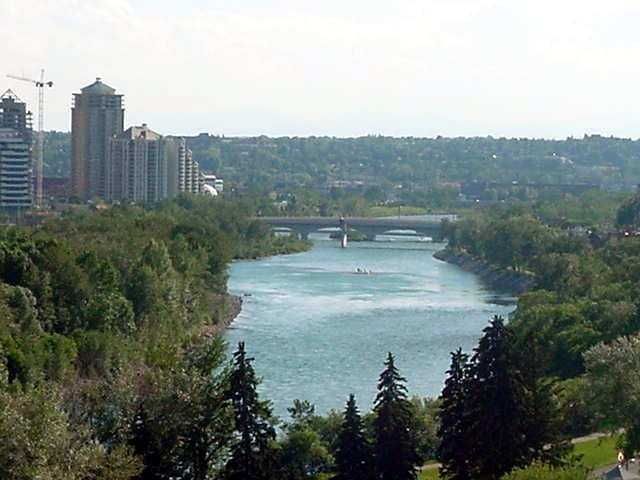 With a beautiful view on the Bow River that streams through Calgary.