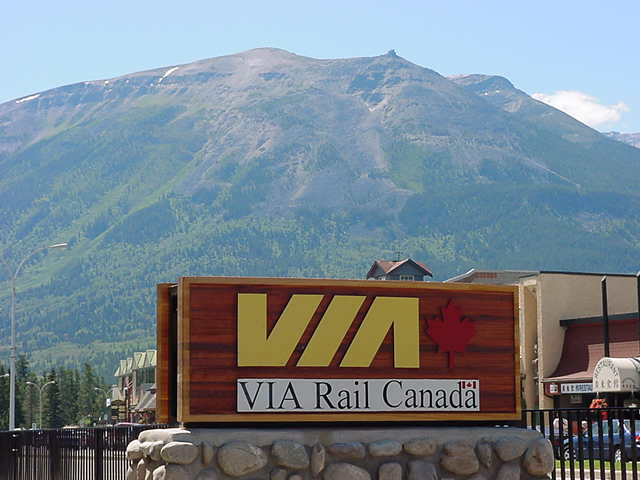 It was time to leave beautiful Jasper this morning. Thanks to ViaRail I step on the last leg of my train ride from Halifax to Vancouver.