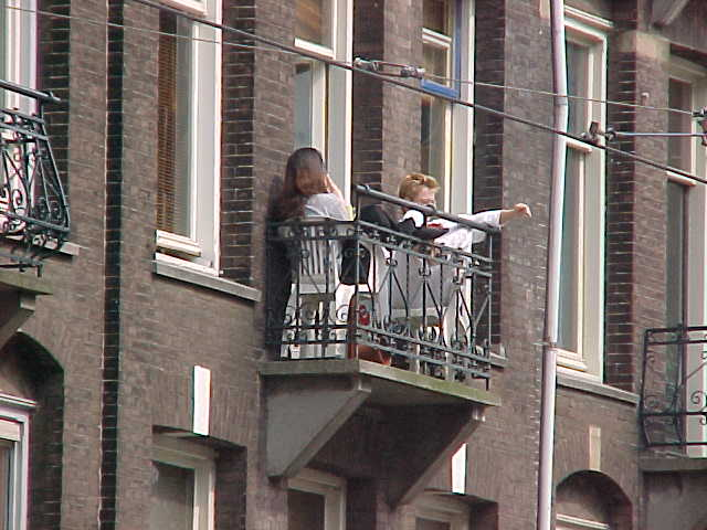 When I arrived at the right address in Amsterdam I saw these two sitting in the balcony and became a bit jealous. If this is life in Amsterdam...