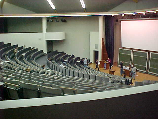 I sneaked into one of the thousand classroom where at that moment an English exam was going on...