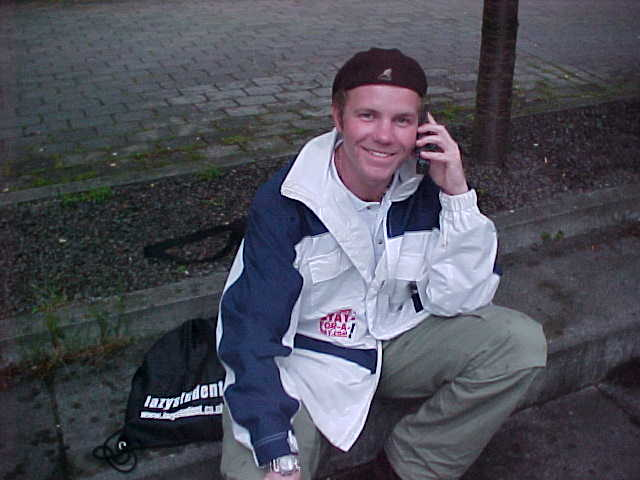 Me on the phone with the Dutch televisionstation RTL4, who had me live in the show... Exiting!!!