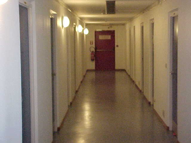 This is how the studentsroom look like on the hallway, very sterile also...