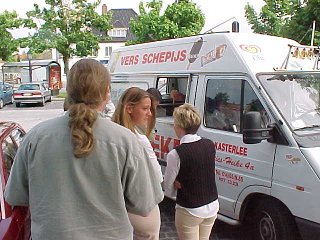 And standing in line for the ice scream van as Kimberlys mother treated us all...