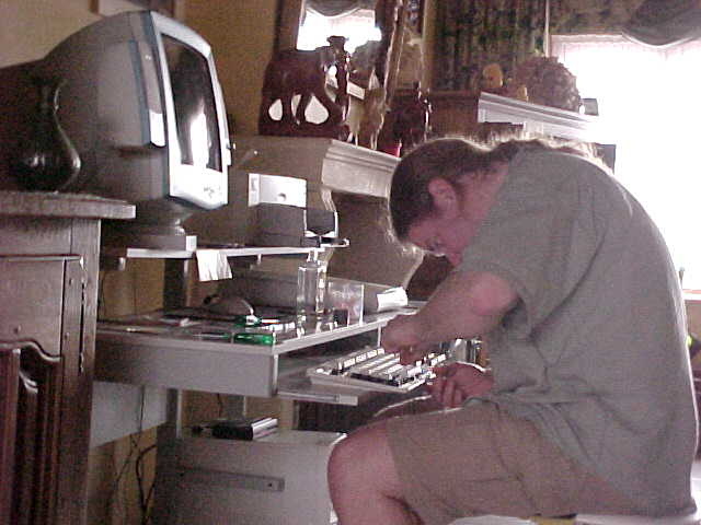 At his mothers place in Izegem Jurgen is trying to fix the keyboard after someone probably spilled some fluid on it...