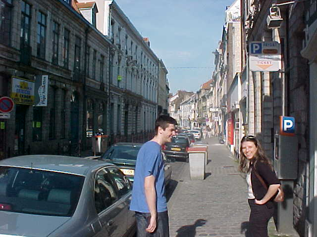 Alban and Virginia showed me around the city. At the Rue de Monnaie, the Moneystreet, I could not find any money...