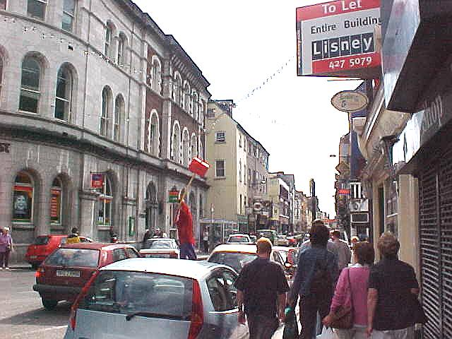 Once -all the way down south- in Cork, criminality is everywhere. See here a man on high legs, smashing people. He almost got my host Niamh. ;-)