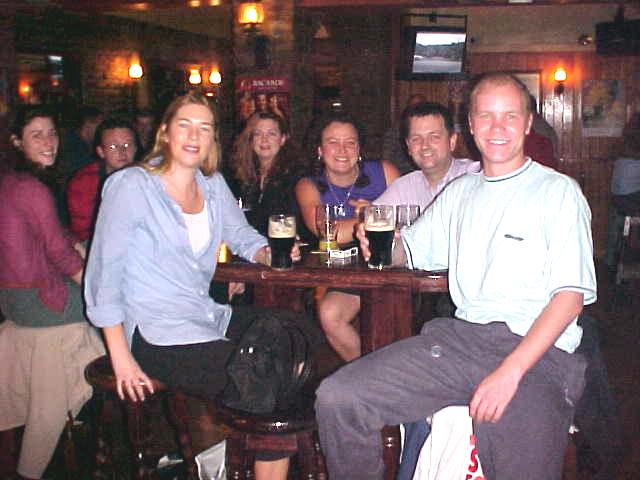Niamh, a bunch of her friends and me drinking Just One Pint (not) at the local pub in Cork. Behind me you see Liam (my host for coming Sunday) and Niamh friend Toni...