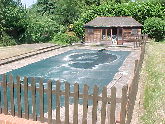 Unfortunately the draining system of their outdoor pool was defect...