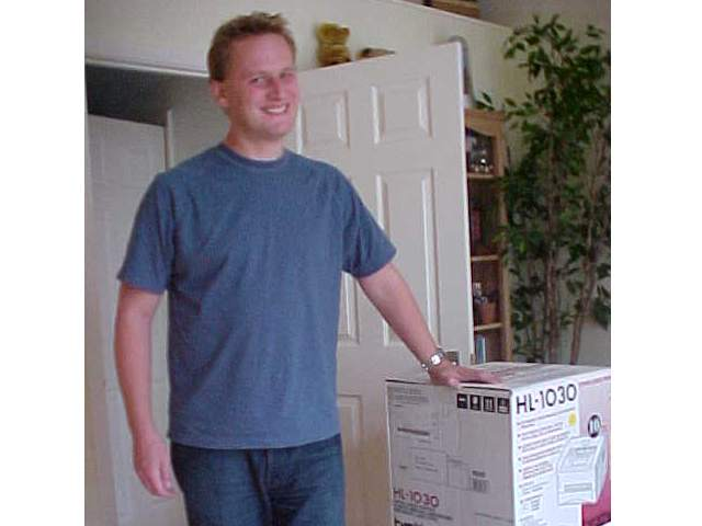 Dan went out and later that morning he came back with his desired laserprinter. And boy, was he happy with it!