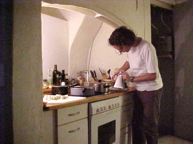Lars prepares dinner...