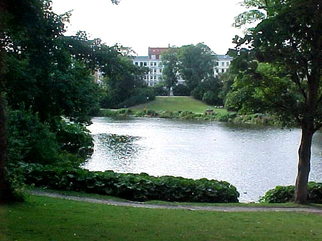 Ørstedsparken, where tourguides advice you to stay out at night, unless you know...