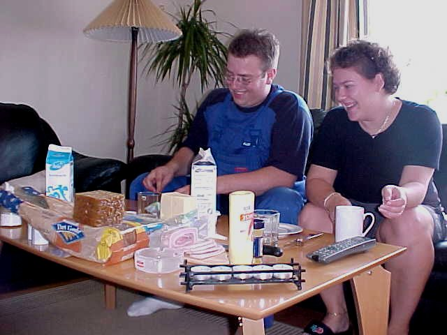 Breakfast (at lunchtime) with Mikael and Mette...