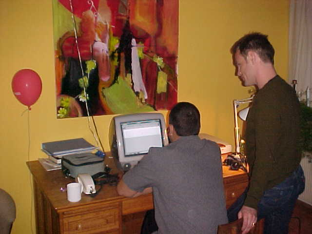The IMac computer at Mark and Rikkes place, where the English guys were playing Star Wars Racing.