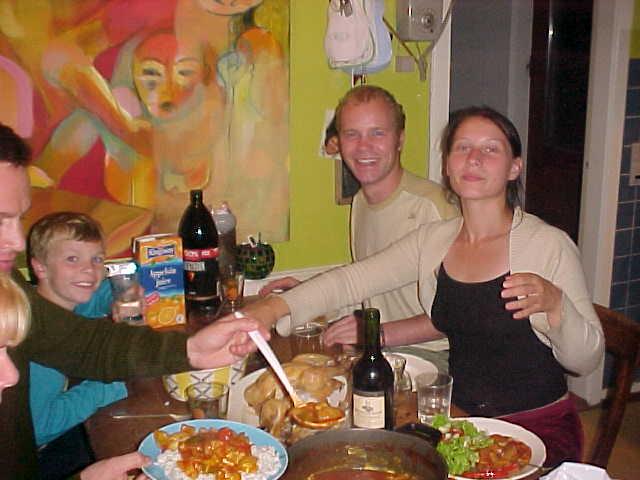 Joining dinner in Vr�.