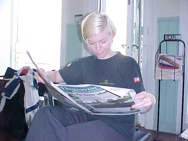 Inside I met Kristina while she just read the bad report in Dagavisen.
