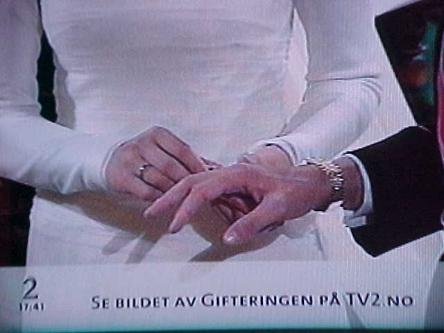 You can see the rings on www.tv2.no