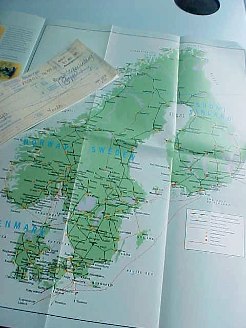 The pass allows me to travel from Norway (left part on map), Sweden (middle), Finland (right flank) and Denmark (the splashed fly below ;-)  )