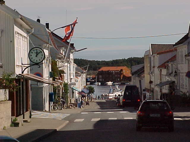 ..Risør is also known as the White Town, because of all the white painted houses....